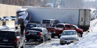 Nieve causa choque de 100 vehículos en Pennsylvania