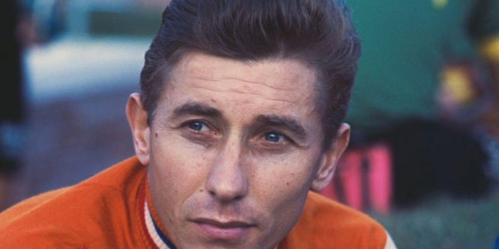 Fue el primer ciclista en ganar cinco veces el Tour de Francia. Murió en 1987 a consecuencia de un cáncer de estómago que se le diagnosticó cinco meses antes de su muerte Foto:Wikipedia