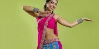 5# Estilo Bollywood El estilo Bollywood crece cada vez más: son clases basadas en los movimientos de Bhangra de los bailes de las películas de Bollywood. Se combinan una serie de bailes clásicos indios con street style.