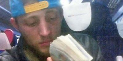 La policía atrapó a este ladrón y encontraron en su teléfono una selfie muy útil para la acusación.
