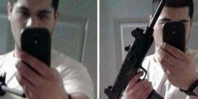 Jules Bahler decidió publicar esta selfie mientras sostenía la metralleta que utilizó en el atraco a un banco. Al día siguiente, fue arrestado por el FBI.