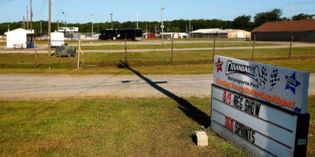 Tony Stewart, excampeón de NASCAR, atropella y le causa la muerte a piloto