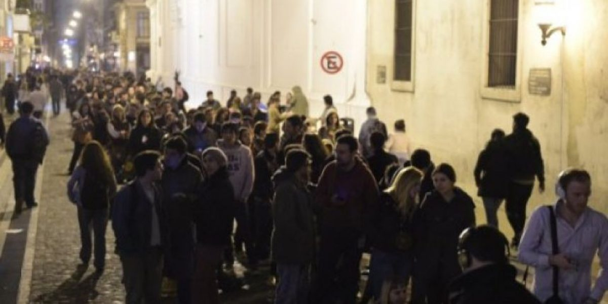 Miles de admiradores despiden a Gustavo Cerati en Argentina