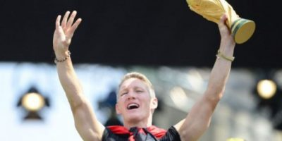 Los zapatos de Schweinsteiger se exhibirán en museo del futbol alemán