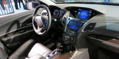 Honda presenta auto que se conduce solo