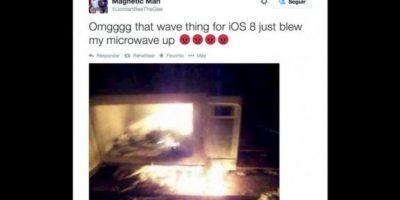 Metieron su iPhone 6 al microondas para cargarlo y esto sucedió