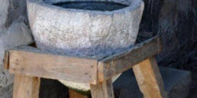 Purificadores de agua. Los habitantes del Valle del Indo los usaban para pasar arena y grava. Quinientos años después recurrieron al alumbre para filtrar el agua. En el siglo V a.C. Hipócrates inventó una manga de tela para colar los residuos de los líquidos. Foto:Getty Images