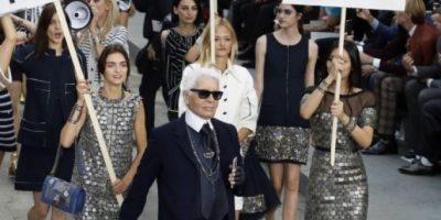 Lagerfeld presentó colección con manifestación callejera feminista