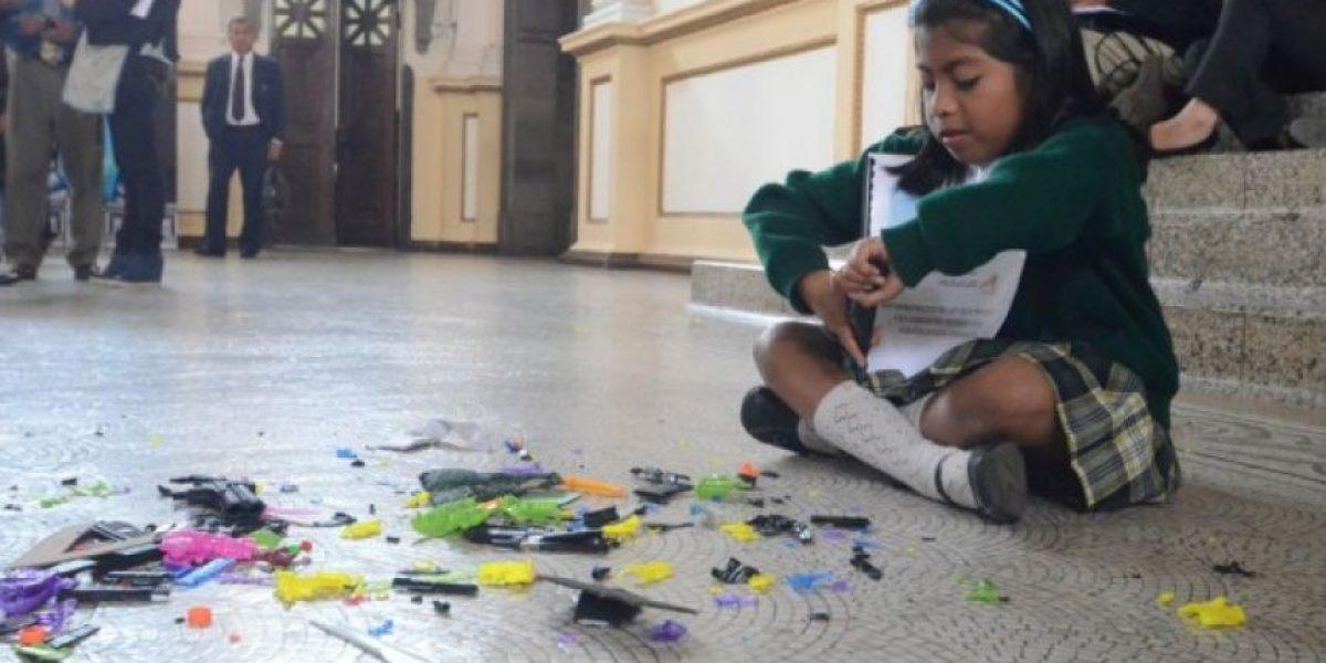 FOTOS. Niñas visitan Congreso para exigir ley contra juguetes bélicos