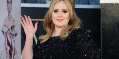Sello de Adele pospone el nuevo disco de la artista