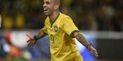 Brasil gana 2-0 a Argentina en el