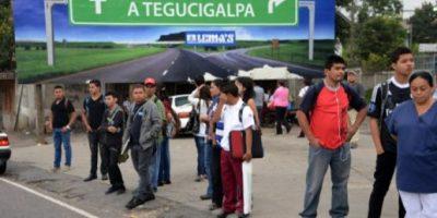 Miles de transportistas en paro por asesinatos de pilotos en Honduras