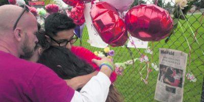 Jaylen Fryberg, de 15 años, asesinó a dos compañeros e hirió a otros tres antes de suicidarse, en la escuela secundaria Marysville Pilchuck, en Seattle, Washington. Fryberg invitó a verse con sus víctimas con un mensaje de texto.