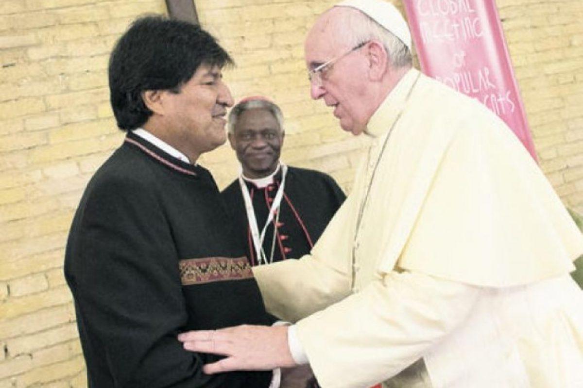 Francisco y el presidente de Bolivia, Evo Morales, coincidieron ayer durante el Encuentro Mundial de los Movimientos Populares que organiza El Vaticano y mantuvieron un breve encuentro.