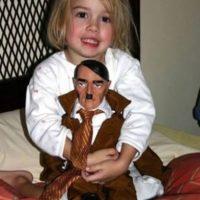 Hitler muñeco Foto:Reddit