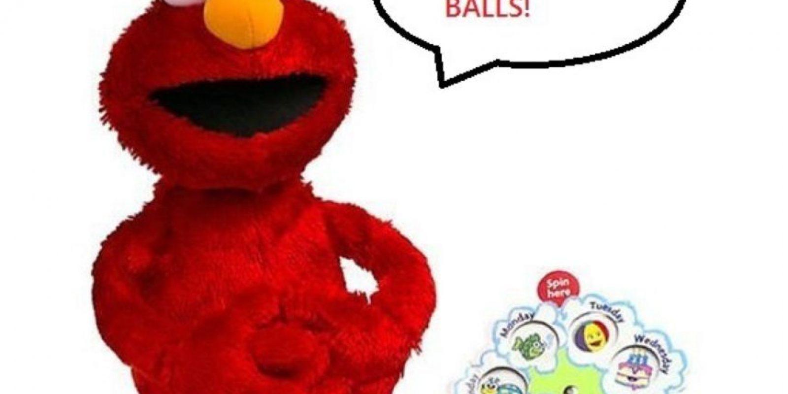 Elmo ama las pelotas. Sí, las pelotas. Foto:Reddit