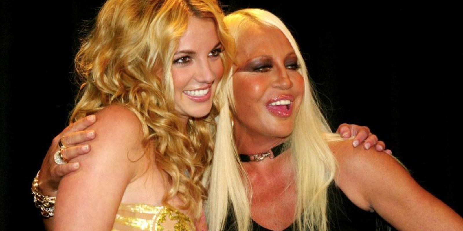 En 2013, con Britney Spears, en el lanzamiento de su colección primavera/verano Foto:Vogue