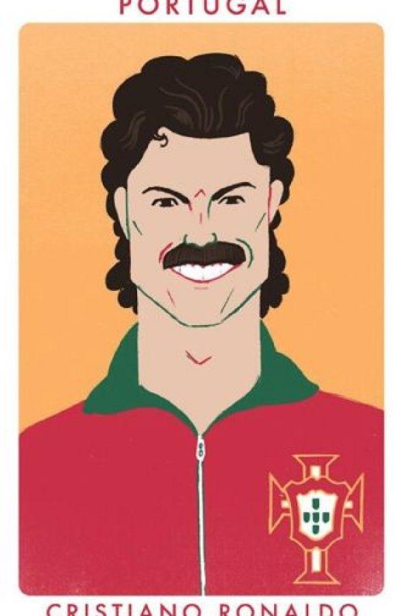 El portugués Cristiano Ronaldo si hubiese jugado en los años 80. Foto:twitter.com/chrismoranART