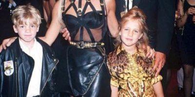 FOTOS: El paso a paso de la espantosa transformación de Donatella Versace
