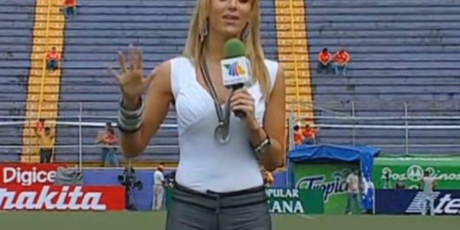 Durante una transmisión en 2009 Foto:Youtube: TV Azteca
