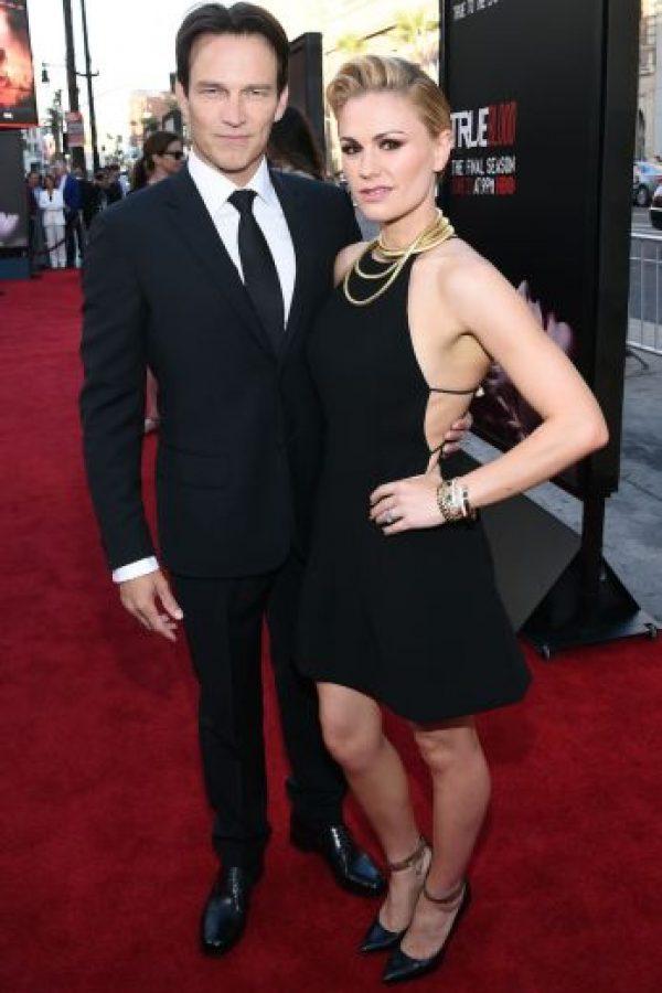 Está casada con el actor Stephen Moyer, pero en 2010 reveló que es bisexual y que ha tenido relaciones sentimentales con varias mujeres. Foto:Getty