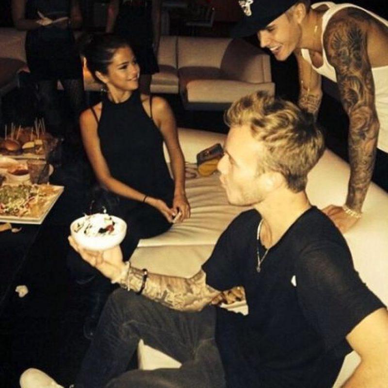 Asistían a fiestas juntos, compartieron las vacaciones y hasta se rumoraba que Gómez se había mudado a la casa de Bieber Foto:Instagram