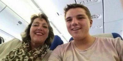 Gary Slok y su madre Petra, en el avión MH17 de Malaysia Airlines que fue derribado en Ucrania. Foto:Facebook / Gary Slok