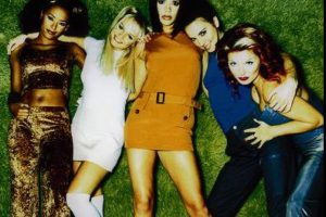 Fue un exitoso grupo británico de música pop, formado por cinco mujeres Foto:Facebook The Spice Girls
