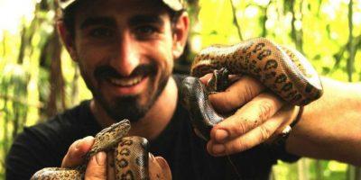 Muchas personas lo critican por haber sometido a una serpiente a crueldad Foto:Vía Twitter