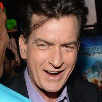 Charlie Sheen tiene un largo historial de violencia contra sus parejas Foto:Getty