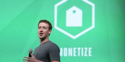 Mark Zuckerberg aseguró que tiene muchas camisetas grises para no perder tiempo en escoger Foto:Getty