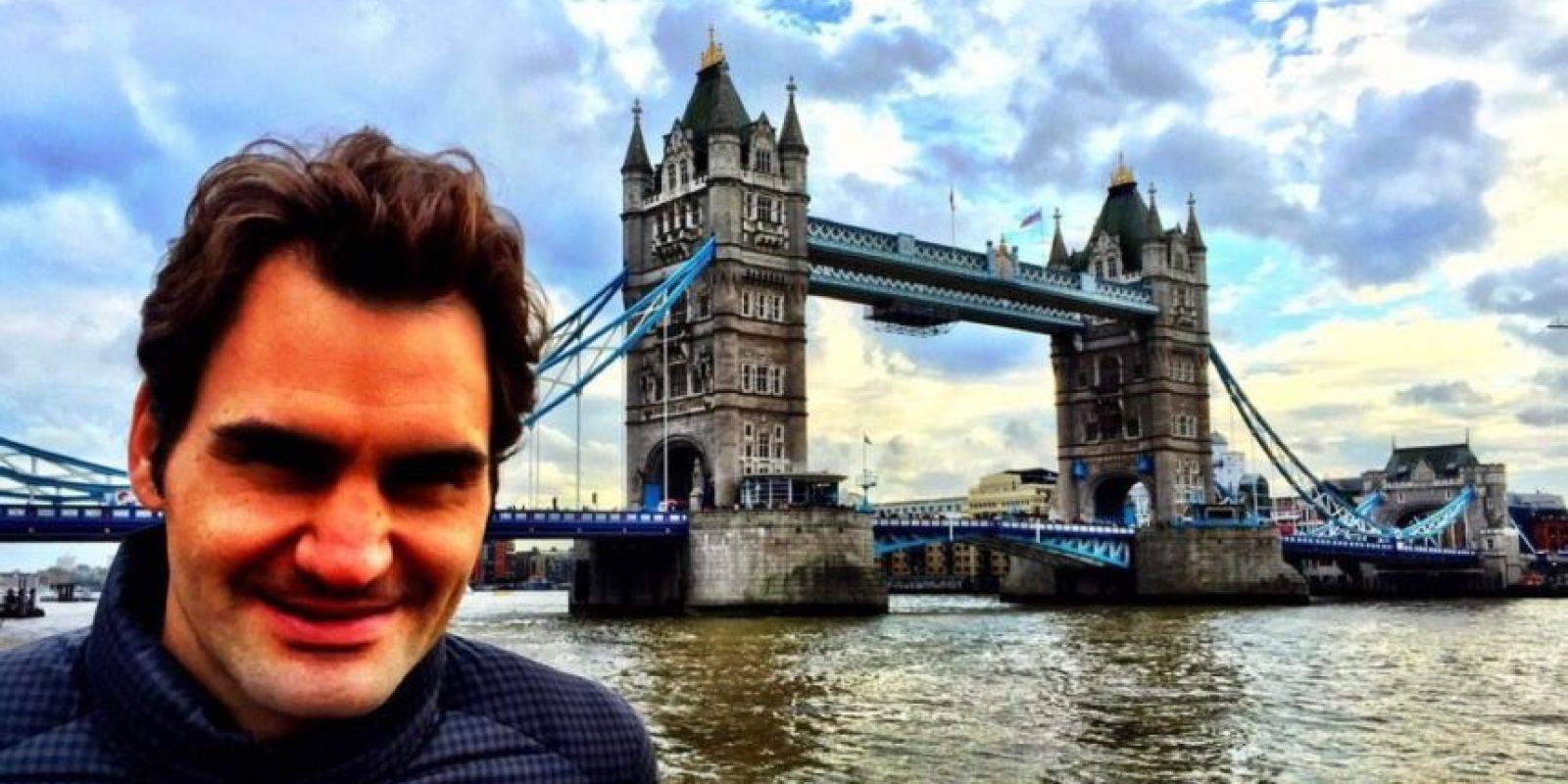 Roger Federer visitó la emblemática Tower Bridge. Foto:twitter.com/rogerfederer