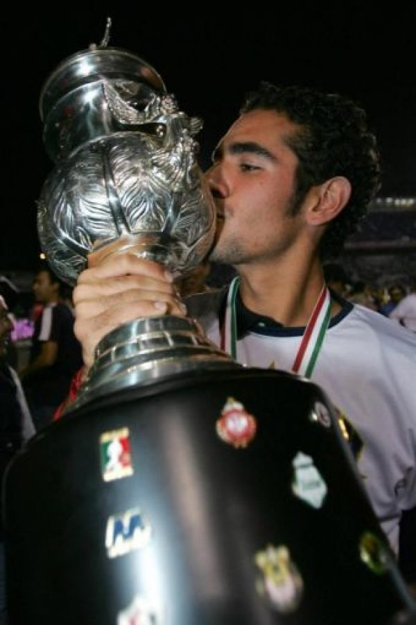 Hugo jugó en la Primera división del fútbol mexicano con los Pumas de la UNAM y el Atlante. Foto:vía Twitter