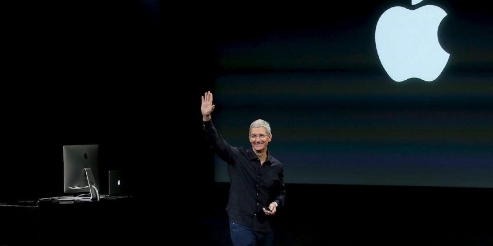 El director de Apple siempre aparece con una camisa negra Foto:Getty