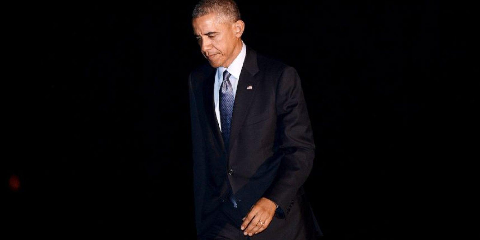 El presidente de Estados Unidos siempre porta un traje oscuro, corbata y camisa blanca Foto:Getty