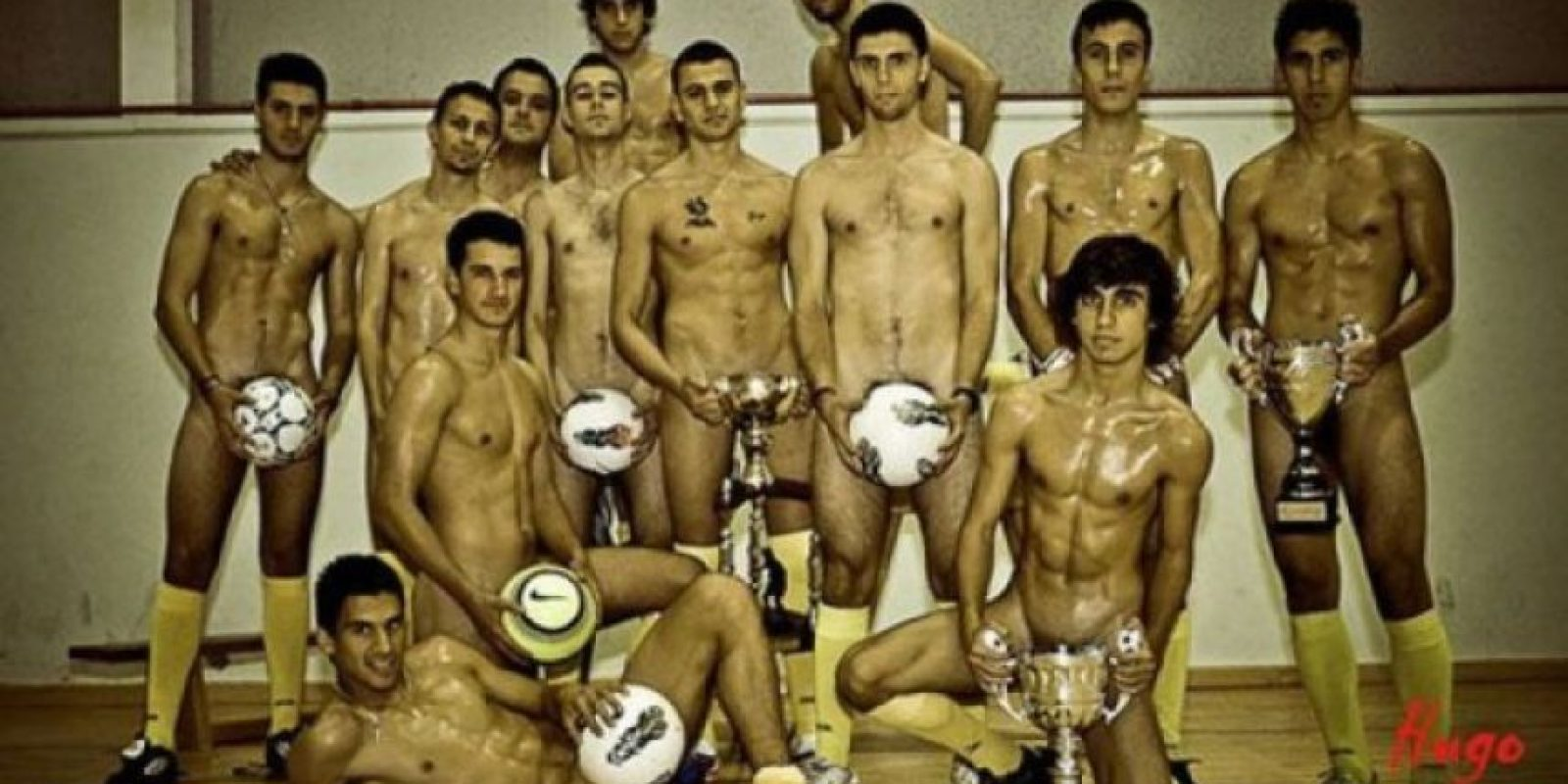 Jugadores del Club Deportivo Santa Eulalia de Donas Los elementos de este club de la tercera división española aparecieron desnudos para su calendario de 2012. Foto:Especial