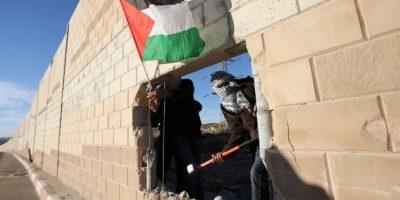 """Palestina recordó al mundo que ellos también tiene su """"Muro de Berlín"""" Foto:AFP"""