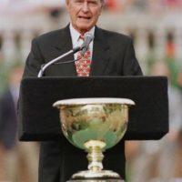 George Bush jura como el presidente 41 de Estados Unidos Foto:Getty Images