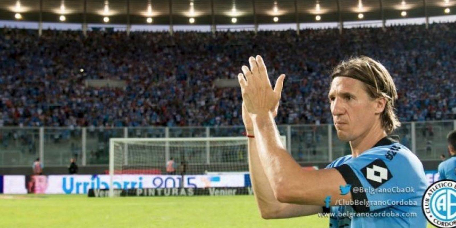 Los jugadores aplaudieron en forma de homenaje. Foto:twitter.com/BelgranoCbaOk