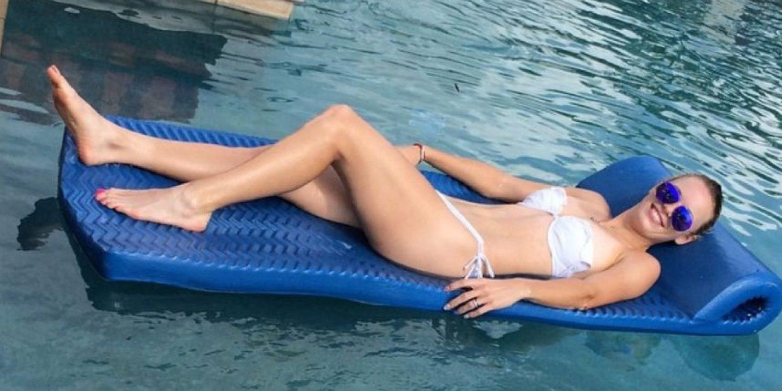 Caroline disfrutando de la piscina. Foto:instagram.com/serenawilliams
