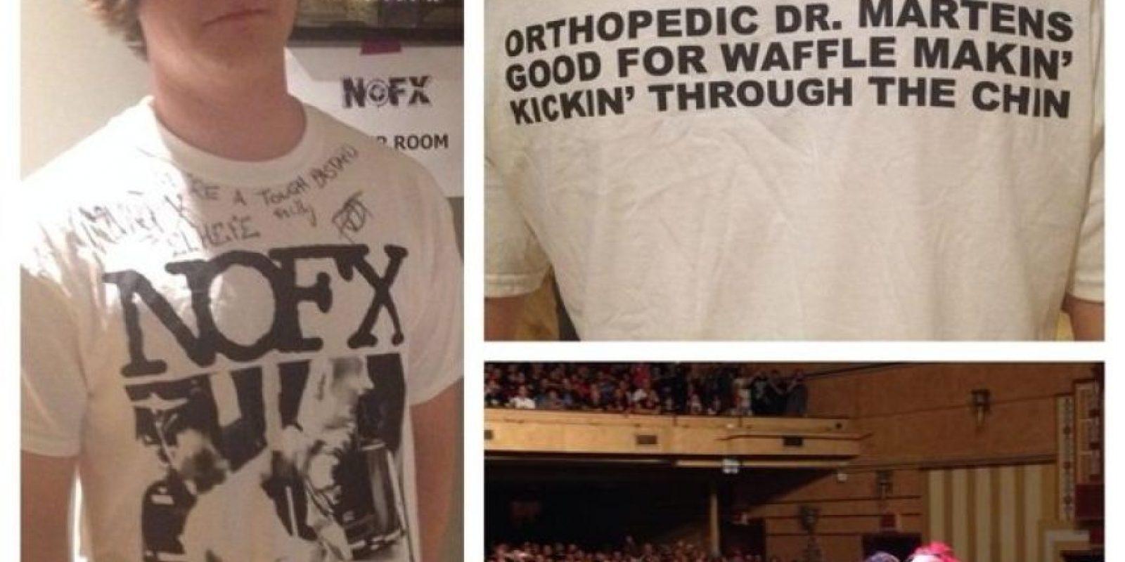 También recibió algunos regalos por parte de la banda y subió al escenario con Fat Mike Foto:Twitter