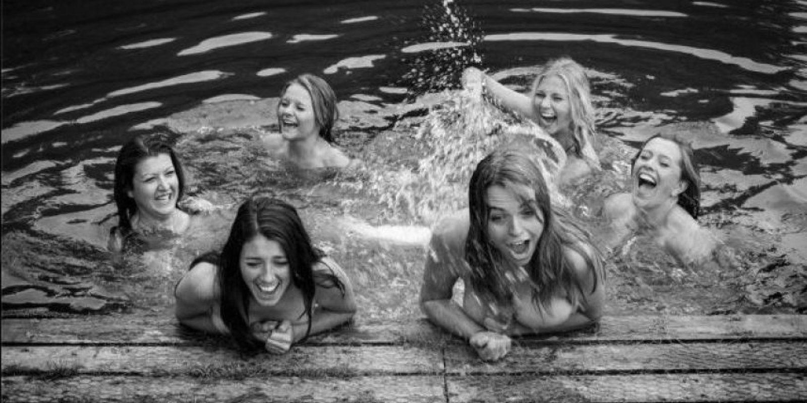 Es la segunda ocasión que las chicas de la Universidad de Warwick sacan al mercado un calendario sin ropa Foto:Warwick Rowing's Women's Naked Calendar