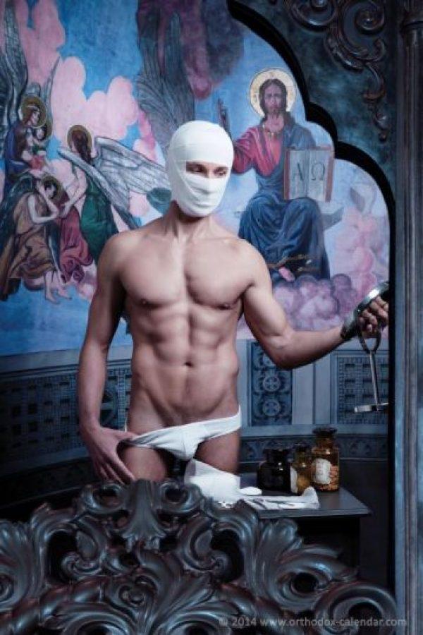 A través de estas imágenes, que combinan su religión, ellos sientan una posición sobre la homofobia en la Iglesia. Foto:Orthodox Calendar