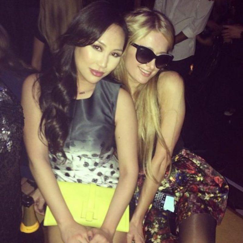 Otra de sus mejores amigas es Paris Hilton. Foto:Dorothy Wang/Instagram