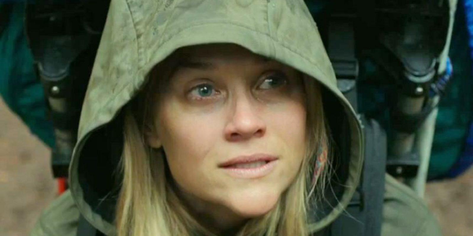 Ella es Cheryl Strayed, una mujer que decide recorrer sola la naturaleza luego de un año de desastres. Foto:Fox Searchlight