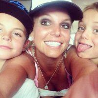 La versión cobró importancia al estrenarse el video musical de la canción, puesto que aparecía un triste Justin, acompañado de una mujer rubia, muy similar a Britney, en un ambiente lluvioso y melancólico Foto:Instagram @britneyspears