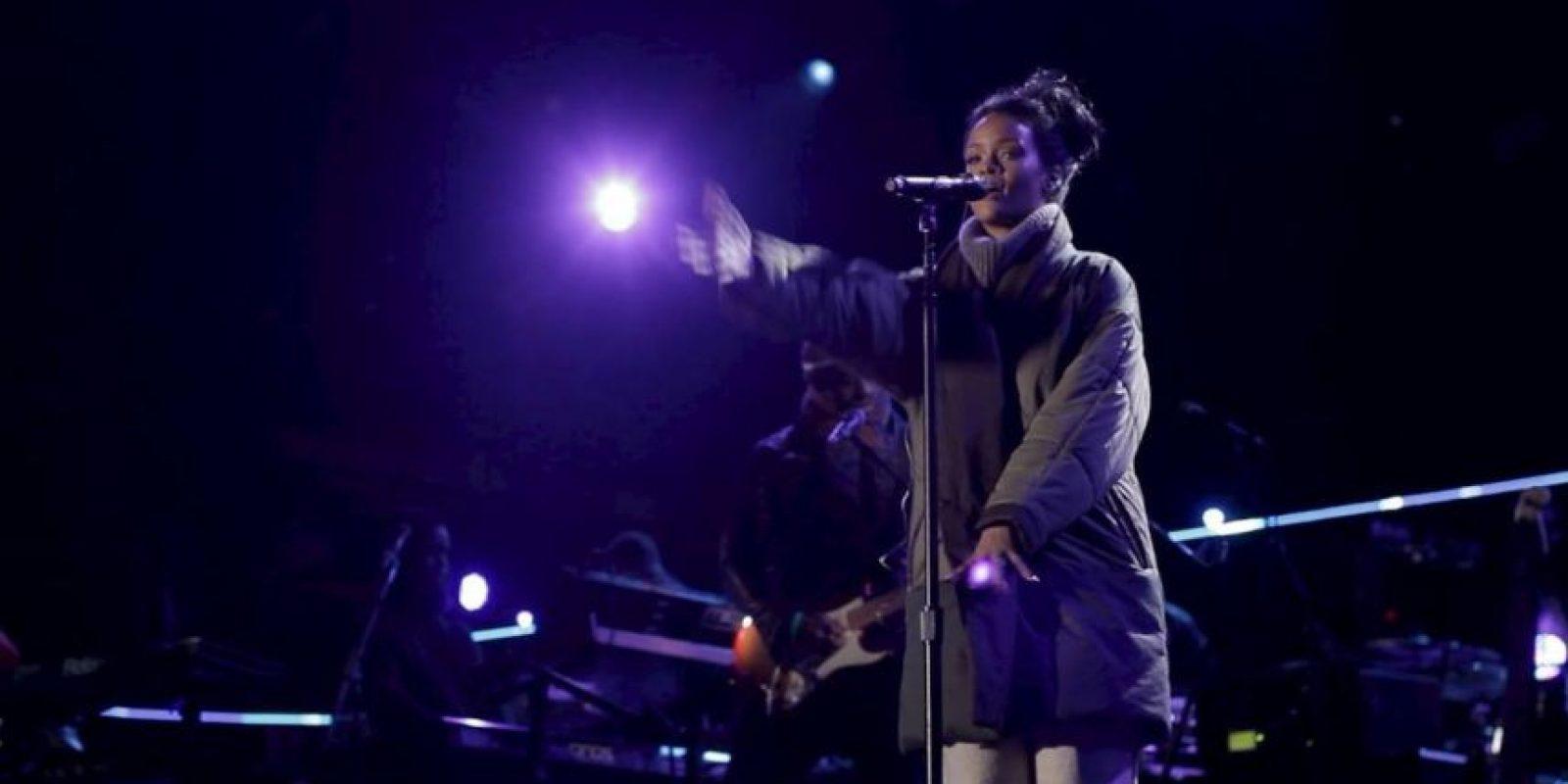 """La artista viajó hasta Washington para cantar en el """"Concert for Valor"""", un concierto en honor a los veteranos de la guerra. Foto:Facebook/Rihanna"""