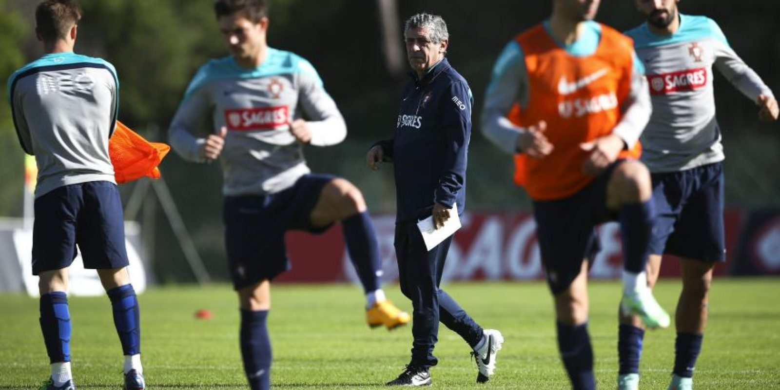 La selección lusa se entrena en Faro, Portugal. Foto:AFP