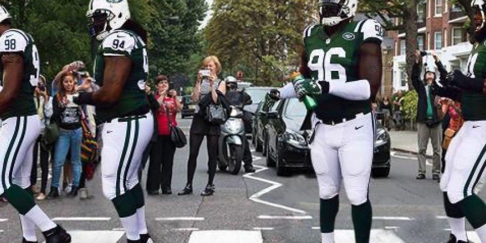 Abbey Road al estilo del fútbol americano Foto:Twitter