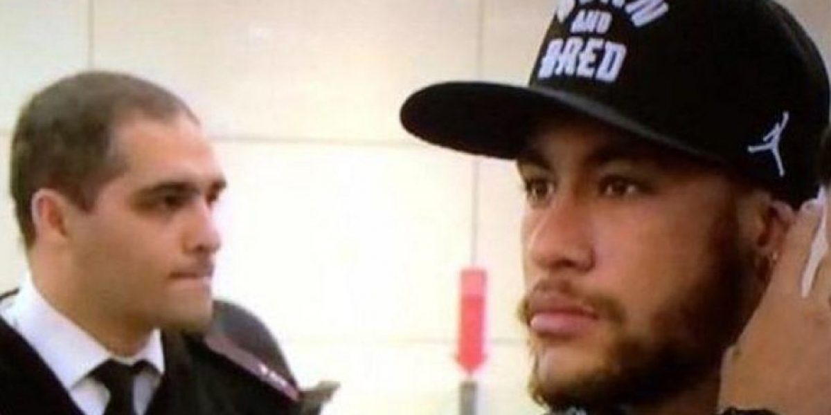 Rebelde: Critican el look de Neymar a su llegada a Estambul